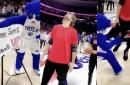 Robin Lopez got his pants stolen by the 76ers mascot during Simon Says