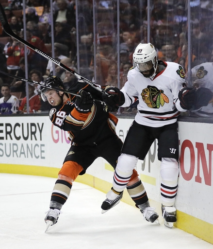 Ducks close in on Pacific with 4-0 win over resting 'Hawks The Associated Press