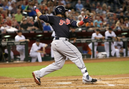 Carlos Santana hits a bases-loaded, 2-RBI single to give the Indians a 3-0 lead (video)