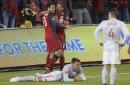 10-man Atlanta United holds on to tie Toronto FC 2-2 The Associated Press