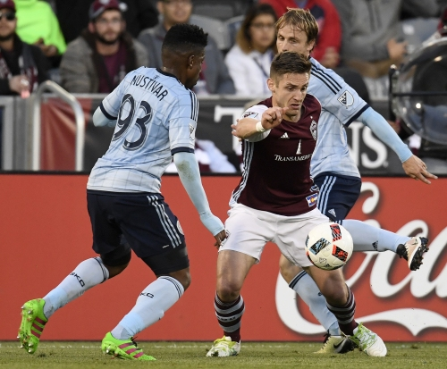 Sporting KC breaks out for 3 goals, cruises against Colorado