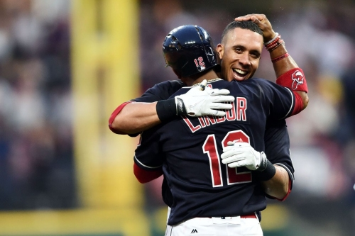 Indians 2, White Sox 1 (10 innings): Cleveland resumes walking off