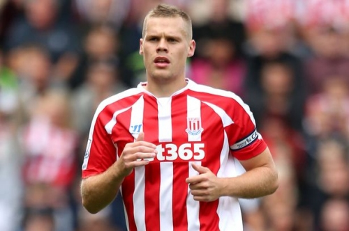 Newcastle United firm favourites to sign Ryan Shawcross after reports link him with move