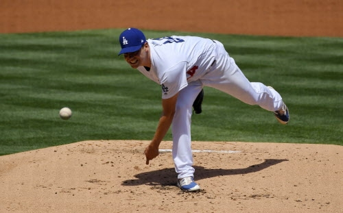 Rich Hill's finger blister re-emerges in Dodgers' loss to Arizona Diamondbacks