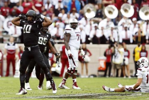 Texas A&M NFL Draft profile: DE Daeshon Hall