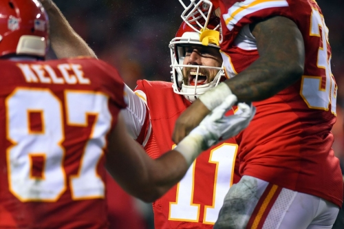 """Andy Reid says Alex Smith isn't worried about other QBs, he's in """"phenomenal shape"""""""