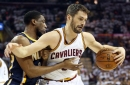 Cavs' Kevin Love finds cutting Tristan Thompson for a two-handed dunk (video)