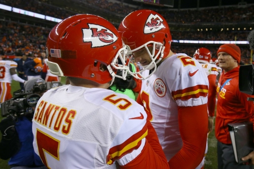 Chiefs' Cairo Santos signs his tender, kicker is a position to watch