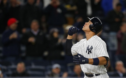 Yankees offense explodes for nine runs to beat White Sox