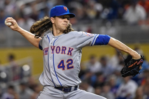 Jacob deGrom scratched with stiff neck, Matt Harvey to start today