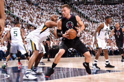 Blake Griffin leaves Game 3 with bruised right big toe The Associated Press