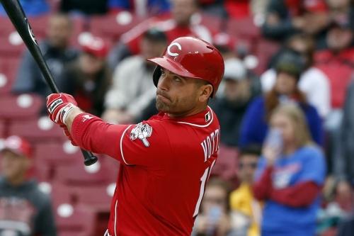 Cubs bats find Reds' gaps: Chicago wins 12-8