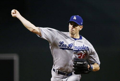 Brandon McCarthy goes seven strong innings as Dodgers win, 6-2