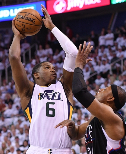 Johnson scores 28, Jazz beat Clippers 105-98 to even series The Associated Press