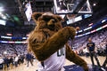 Video: Jazz Bear comes to kid's aid after Clippers fan lands cheap shot in on-court contest