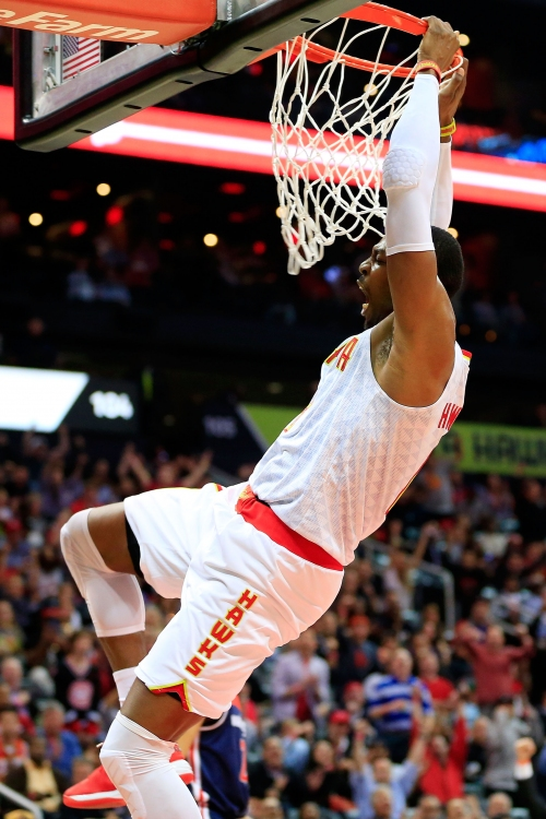 Balanced Hawks hold off Wizards 111-101, even series 2-all The Associated Press