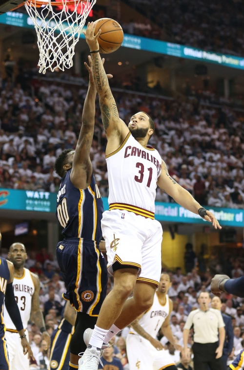 Cavaliers getting the better version of Deron Williams in playoffs