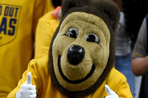 Cal basketball lands a 2017 commit from point guard Deschon Winston