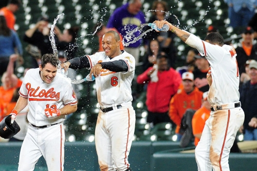 Orioles walk it off in wacky 11 inning affair, defeat the Rays 5-4