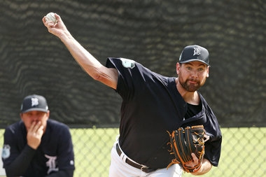 Mike Pelfrey will be back in Detroit -- wearing a White Sox uniform