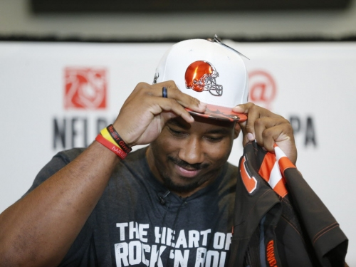 Offense dominates Round 1 of NFL draft after Browns take defensive end Myles Garrett at No. 1