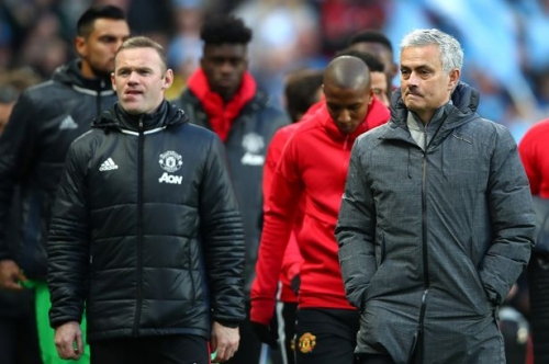Manchester United player Wayne Rooney could have midfield role vs Swansea