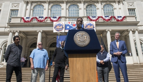 Doc Gooden gets key to city 3 decades after Mets World Series win