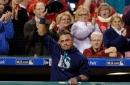 Carlos Ruiz gets standing ovations, video tribute in emotional return to Philadelphia