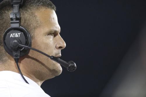 Golden: Fat salaries of Texas coaches will hopefully bring back Texas' football arrogance
