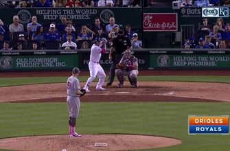 WATCH: Brandon Moss goes deep for second straight night in Royals' win