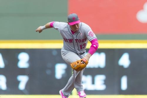 Asdrubal Cabrera re-injures thumb, may land on disabled list