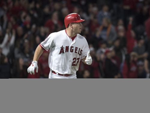 Mike Trout homers in fourth straight game to lead Angels past White Sox
