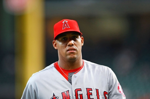 Angels' Yunel Escobar out 2-4 weeks with hamstring strain