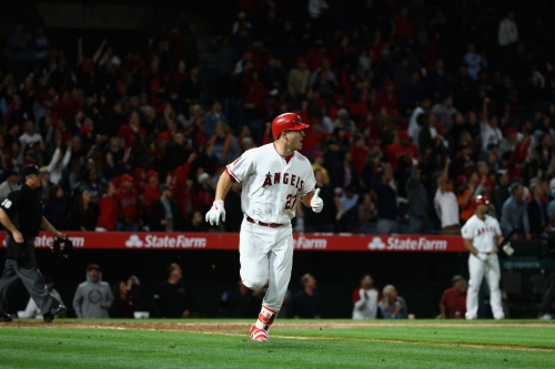 TuesdoLinks: Mike Trout now 4 by 4