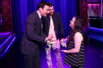 Tim Tebow surprises fan with 'prom dance' on 'The Tonight Show'