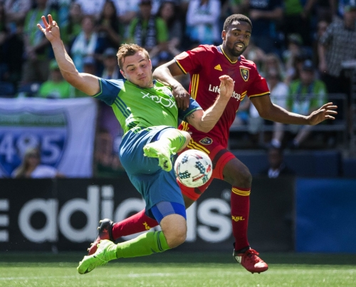 Sounders dominate throughout in 1-0 victory