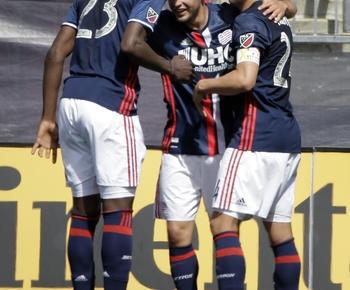 Diego Fagundez scores twice as Revs top Crew