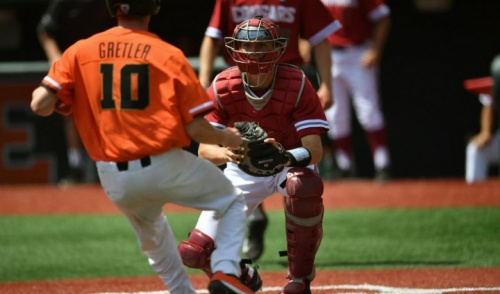 No. 1 Oregon State completes sweep of Washington State, 14-3