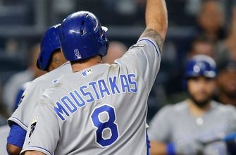 Royals tee off late for 6-2 win over Yankees