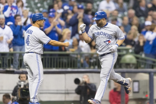Blue Jays hold on to early lead, beat Brewers 4-3