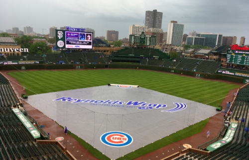 Cubs-Giants delayed by rain at Wrigley Field