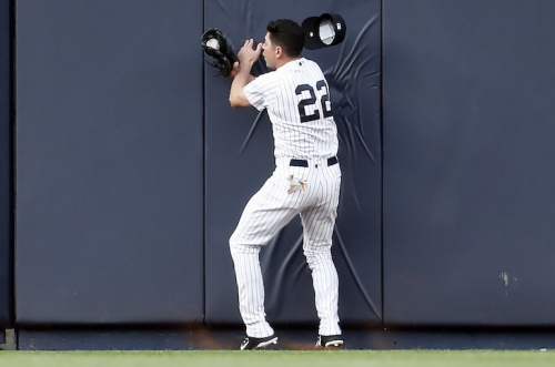 WATCH: Yankees' Jacoby Ellsbury makes great catch, goes face-first into center-field wall