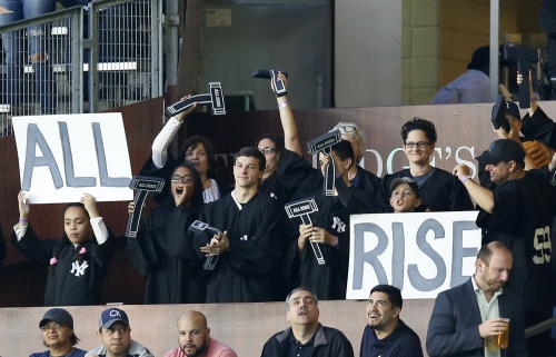 WATCH: Fans go all out for Yankees' Aaron Judge in Judge's Chambers
