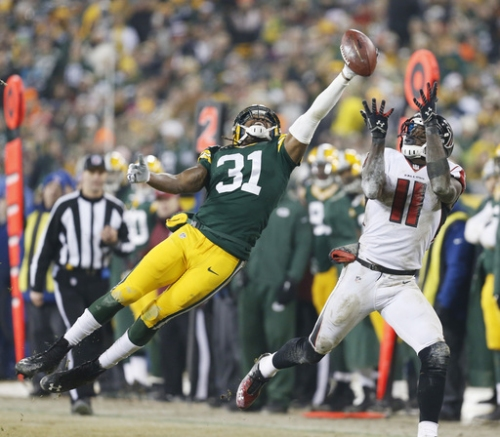 Davon House feels at home back in Green Bay secondary The Associated Press