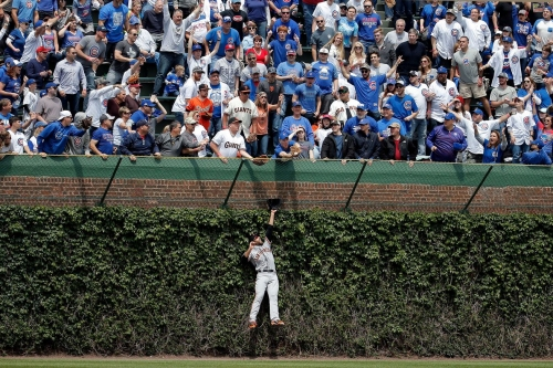 Cubs 5, Giants 1: A basketful of home runs