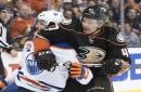 Shoulder surgery to keep Ducks' Hampus Lindholm, Sami Vatanen out for months