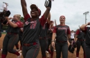 OU softball: Sooners sweep Auburn in Super Regionals, advance to WCWS