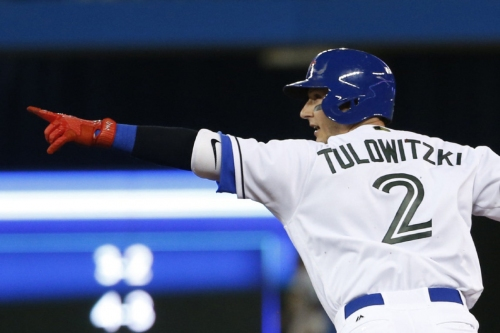 Blue Jays decimate Reds after piling up third-most hits in team history