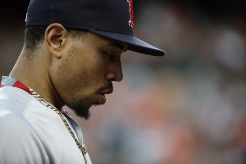Mookie Betts, Boston Red Sox RF, makes diving catch to rob Adam Jones of a hit (VIDEO)
