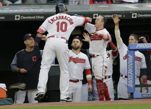 White Sox 5, Indians 3: Josh Tomlin's struggles on the mound overshadow home runs by Edwin Encarnacion, Carlos Santana